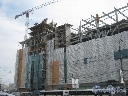 Заневский пр., дом 71а. Строительство здания. Фото 19 августа 2013 г.