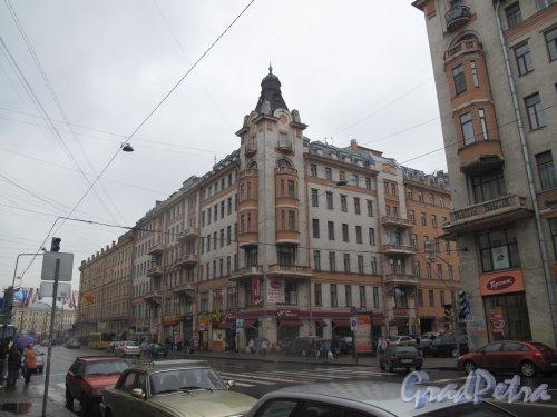 Московский пр., дома. 4 и 6. Фото май 2013 г.