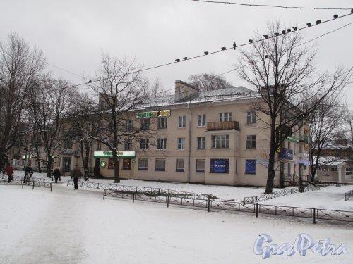 Гражданский пр., д. 43, корп. 1. Малоэтажный жилой дом послевоенной постройки. 1940-1950-е гг.