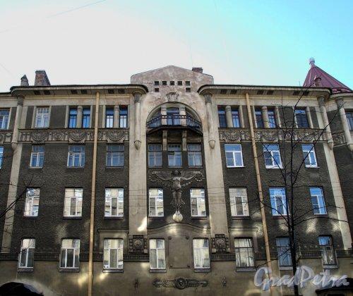 Малый пр., П.С., д. 32. Фасад со стороны Малого пр. Фото апрель 2012 г.