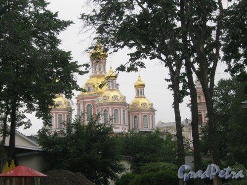 Лиговский пр., дом 128. Общий вид здания с ул. Черняховского. Фото 14 июня 2013 г.