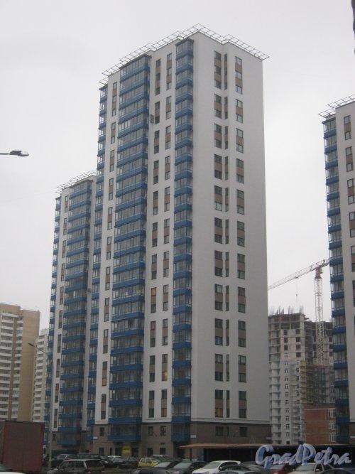 Пр. Кузнецова, дом 11, корпус 1. Общий вид здания. Фото 29 декабря 2013 г.