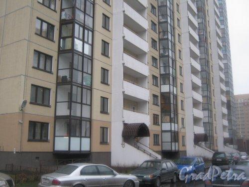 Ленинский пр., дом 78, корпус 1, литера А. Вид с пр. Кузнецова на фрагмент здания. Фото 29 декабря 2013 г.