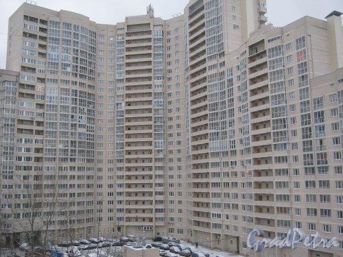 Пр. Маршала Жукова, дом 41. Фрагмент здания. Вид из окна дома 43, корпус 1. Фото 12 января 2014 г.