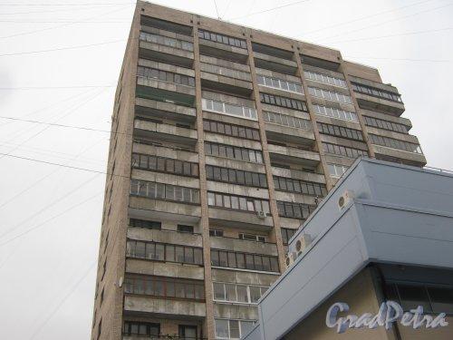 Ленинский пр., дом 125, литера А. Фрагмент здания со стороны дома 125, корпус 3. Фото 12 января 2014 г.