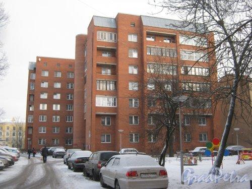Микрорайон «Форели», пр. Стачек, дом 164. Вид со стороны дома 168. Фото январь 2014 г.