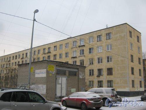 Ленинский пр., дом 125, корпус 2. Фрагмент здания со стороны дома 121. Фото 12 января 2014 г.