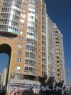 Пулковское шоссе, дома 26 корпус 3 (слева), корпус 5 (в центре) и корпус 6 (справа с краю). Фото апрель 2012 г.