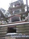 Курортный р-н, г. Зеленогорск, Приморское шоссе, д. 593. Деревянная часовня на территории парка при Гелиос-отеле. Фрагмент. Фото 7 декабря 2013 г.
