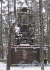 Курортный р-н, г. Зеленогорск, Приморское шоссе, д. 593. Деревянная часовня на территории парка при Гелиос-отеле. Фото 7 декабря 2013 г.