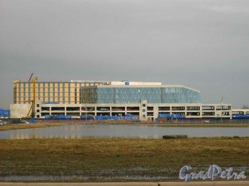 Пулковское шоссе, дом 41. Строительство новых терминалов аэропорта Пулково-1. Фото 16 апреля 2013 г.
