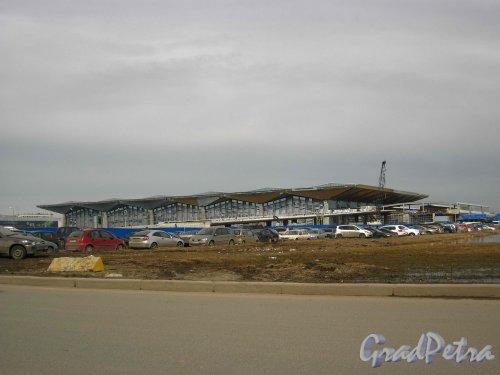 Пулковское шоссе, дом 41. Новый терминал аэропорта Пулково-1. Фото 16 апреля 2013 г.