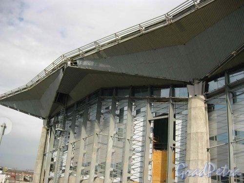 Пулковское шоссе, дом 41. Фрагмент фасада нового терминала аэропорта Пулково-1.  Фото 16 апреля 2013 г.