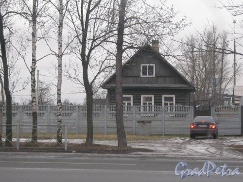Красное Село (Горелово), Красносельское шоссе, дом 19. Общий вид на территорию и частный дом. Фото 4 января 2014 г.