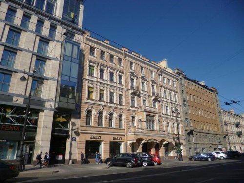 Санкт-Петербург,Невский пр. - 6 комн. квартира продажа (вторичное)