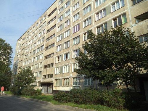 Санкт-Петербург,Славы пр. - 4 комн. квартира продажа (вторичное)