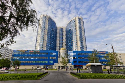 Санкт-Петербург,Королева пр. - Отд.стоящее здание продажа (первичное)