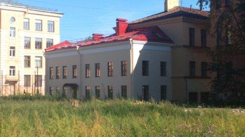Санкт-Петербург, Василеостровский р-н, 8-я линия В.О. д.61